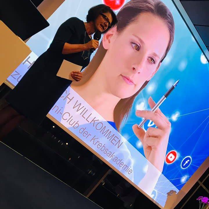 Ordensklinikum Linz InfluCancer Vom Umgang Mit Krebs In Der Welt Von Instagram Snapchat Und Facebook