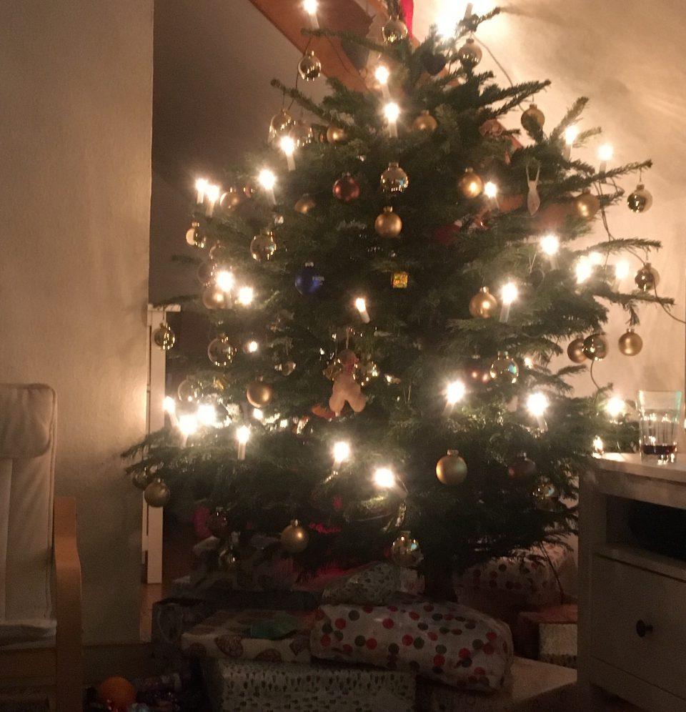Dezember Alexander Heckrodt Weihnachtsbaum Christbaum Geschenke Foto